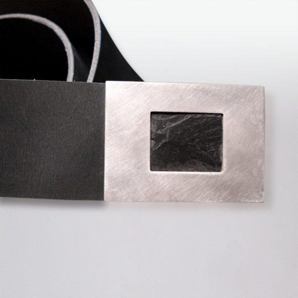 Ledergürtel mit Schiefer in Silber gefasst von Angelika Brinkmann